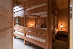 Großes Schlafzimmer im Obergeschoss